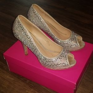 Lorraine size 7.5 Robie silver prom shoes